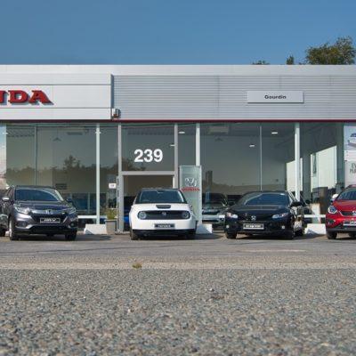 Photo Truquée Honda déplacé vers le centre